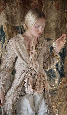 Magnolia Pearl Lyudmilla Jacket 388 in Provincial one size - Provence-Feeling Hippie Look, Hippie Style, Gypsy Style, Boho Gypsy, Hippie Chic, Bohemian Style, Gypsy Chic, Modern Hippie, Magnolia Pearl