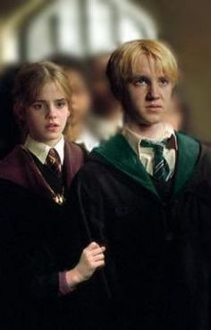 Harry Potter Hermione, Draco And Hermione Fanfiction, Harry Potter Toms, Draco Malfoy Imagines, Harry Potter Ships, Harry Potter Images, Harry Potter Fan Art, Harry Potter Characters, Harry Potter World