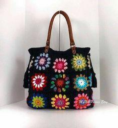 Transcendent Crochet a Solid Granny Square Ideas. Inconceivable Crochet a Solid Granny Square Ideas. Crochet Diy, Crochet Tote, Crochet Handbags, Crochet Purses, Hand Crochet, Crochet Summer, Crochet Squares, Crochet Granny, Crochet Blocks