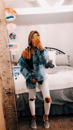Catfish Girl, Dear Future Husband, White Jeans, Cute Outfits, Hipster, Womens Fashion, Pants, Clothes, Style