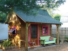Backyard cozy cottage ~ love!