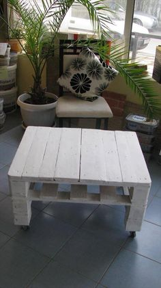 Pallet White Stained Coffee Table | 1001 Pallet Ideas
