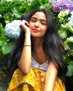 Image may contain: 1 person Filipina Actress, Filipina Girls, Filipina Beauty, Braids For Short Hair, Short Hair Styles, Estilo Kylie Jenner, Ideal Girl, Celebs, Celebrities