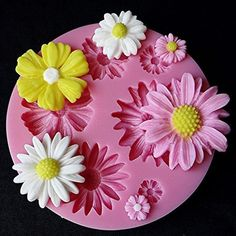 Flower Fondant Silicone Mold - OFF Today! Pretty daisy flowers, cut with color of fondant of your choice. Make cupcake and cake decorating a snap! Bolo Fondant, Fondant Molds, Cake Mold, Fondant Cakes, Cupcake Cakes, Car Cakes, Fondant Icing, Fondant Figures, Frosting