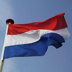 Nederlandse vlaggen. Formaat 150 x 100 cm. Verkrijgbaar in onze webshop