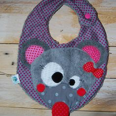 Bavoir bébé original et rigolo avec jolie petite souris !