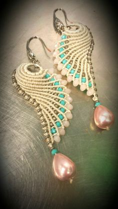Macramè earrings - a color variation of the wing design