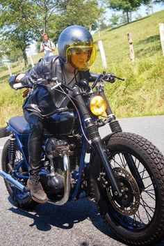 Women Riding Motorcycles // wheels-and-waves // course de cote // Blitz Motorcycles Blitz Motorcycles, Women Riding Motorcycles, Cool Motorcycles, Vintage Motorcycles, Women Motorcycle, Motorcycle Wheels, Motorbike Girl, Motorcycle Helmets, Lady Biker