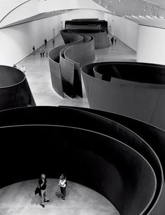 Richard Serra, American minimalist sculptor and video artist known for working with large-scale assemblies of sheet metal. Serra was involved in the Process art movement. Richard Serra, Land Art, Tachisme, Sculpture Metal, Abstract Sculpture, Exhibition Space, Public Art, Installation Art, Oeuvre D'art