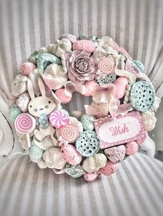 How to Make an Easter Wreath - Castle Random Easter Wreaths, Diy Christmas Ornaments, Holiday Wreaths, Handmade Christmas, Crafty Craft, Valentines Diy, Diy Wreath, Flower Crafts, Easter Crafts
