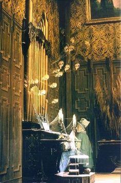 Haunted Mansion organ player