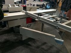 Hammer C3 31 perform acum în varianta C3 41 perform, cu o lățime de prelucrare de 410 mm, special proiectat pentru atelierele mici care își doresc rezultate perfecte.