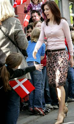 13 May 2005 Pregnant crown princess Mary and her lady-in-waiting paid a visit to the Enghave Plads Skole in Vesterbro (Copenhagen). As the...