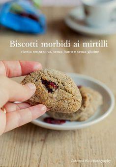 Come preparare dei biscotti morbidi con mirtilli senza glutine e senza usare burro e uova,perfetti per la merenda anche dei più piccini
