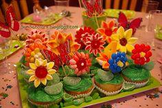 Flower Garden Cake Tutorial