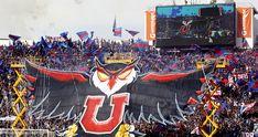 Barra Los De Abajo condenó presunta violación de parte de cinco hinchas de la U de Chile Chile, Batman Vs Superman, Grande, Times, Vikings, Barbell, University, Stencils, Deporte