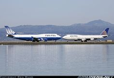 'Kissing Cousins' United Airlines Boeings 747-422. San Francisco - International (SFO) January 28, 2012.