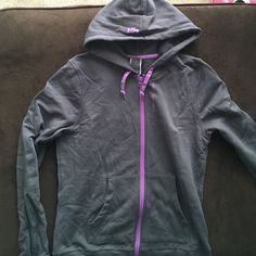 Helly Hansen full zip! Womens large gently worn Helly Hansen full zip hoodie! Gently worn. Size large Womens (product runs small-this fits like a medium) smoke free home. No stains. Helly hansen  Tops Sweatshirts & Hoodies