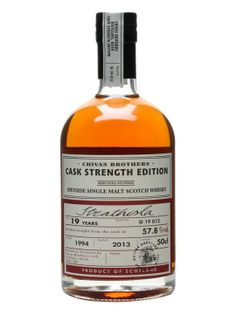 A small batch 1994 vintage Strathisla, bottled at full strength by owners Chivas Brothers for their Cask Strength Edition series, which are normally only available to buy at the distilleries themse. Whiskey Label, Whisky Bar, Malt Whisky, Scotch Whiskey, Bourbon Whiskey, Liquor Bottles, Vodka Bottle, Strong Drinks, Bottle Packaging