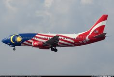 AirAsia 9M-AAI Boeing 737-301 aircraft picture