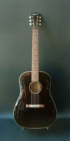 1932 Gibson HG-20 acoustic guitar.