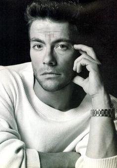 Jean Claude van Damme struggled to gain his acting career. He slept and starved on the streets of LA. Bruce Lee, Soldado Universal, Karate Shotokan, Living Puppets, Claude Van Damme, Martial Artist, Tough Guy, Taekwondo, Good Looking Men