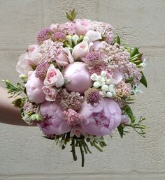 Fleuristes spécial mariage bouquets de mariée Vertumne