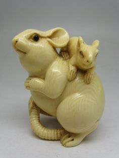 Finely Carved Old Japanese Netsuke – Rat & Young