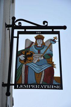 Carte de tarot de Marseille, Arcane III: l'impératrice - Sainte Suzanne, Mayenne.