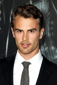 Divergent Casting News: Theo James to Star as Four