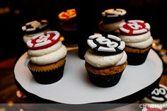 pokerowe smakolyki/ poker chip cupcakes, Las Vegas wedding at The Palms, by Chrisman Studios