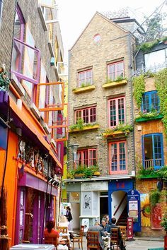 NEAL'S YARD  Tucked away between Covent Garden and the busy streets of Seven Dials, Neal's Yard stays completely unnoticed if you don't know it's there. It's the perfect place for lunch in the summer!