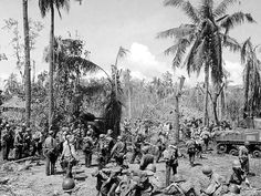 [Photo] American troops and equipment on a Leyte, Philippine Islands beachhead, 20 Oct 1944 American Soldiers, American Civil War, Mexican American War, Philippines Culture, Leyte, War Of 1812, History Online, Naval History, Military Veterans
