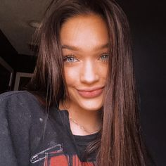 { BREAKING NEWS } Signa Elizabeth Reid has been found dead near Exit She was hit in the head multiple times, raped, and stabbed in the chest. Police have not found her murderer yet. She had a husband, and two daughters, Hope and Griffin. Cute Selfie Ideas, Snapchat Picture, Snapchat Names, Instagram Pose, Instagram Feed, Attractive Girls, Makes You Beautiful, Smile Because, Friend Pictures