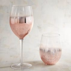 Reminiscent of mercury glass, our exclusive Rose Gold Wine Glasses are blown and painted by hand. They add sophistication to any occasion and every drink. Rose Gold Wine Glasses, Unique Wine Glasses, Table Rose, Rose Gold Aesthetic, Rose Gold Kitchen, Wine Meme, Rose Gold Decor, Wine Glass Rack, Mercury Glass