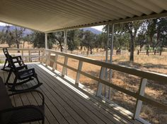 House in Dunlap, United States. Quaint farm cottage nestled in the foothills of the Sierra Nevada Mountains in the small town of Dunlap, CA. Just a short 30 minute drive to Kings Canyon and Sequoia National parks. Enjoy picturesque views with horses and cattle grazing in the bac...