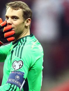 Image about manuel neuer in Die Nationalmannschaft 🇩🇪 by Mrs. Real Soccer, Soccer Fans, Football Players, Neuer Goalkeeper, Germany National Football Team, Michael Ballack, Arsenal, German National Team, Germany