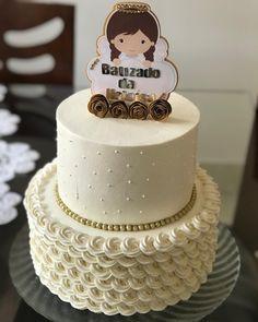 50 inspirações de bolo de batizado graciosas e criativas Baby Cakes, Cupcake Cakes, Creative Cake Decorating, Cake Decorating Techniques, Birthday Angel, Birthday Cake, Baby Dedication Cake, Little Mermaid Dresses, Religious Cakes