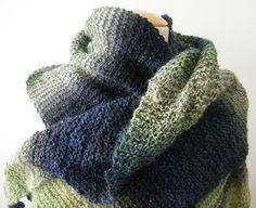 Gebreide sjaals - groen en blauw gebreide sjaal - Een uniek product van EccentricLady op DaWanda