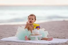 Cake Smash and First Birthday Photo Session at Indian Rocks Beach in St. Pete | Dana Nicole Photography | Tampa, FL