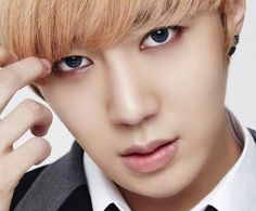Group - SPEED // BirthName - Kim Jung Woo // StageName - Jungwoo // Birthday - May 9th 1990 (25) Taurus // Position - vocalist // Height - 5ft11 // Blood Type - A //