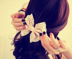 lace bow in hair <3