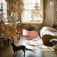 How to turn your bedroom into a bohemian wonderland (image via coral von zumwalt)
