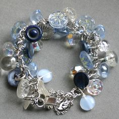Vintage Button Bracelet... would love to make some of these :D