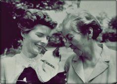 Gabriela Mistral y Doris Dana #GabrielaMistral #Mistral #Poesia