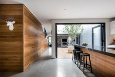 "Claremont Residence: A Private Home to Entertain Guests and Could ""Lock and Leave"""