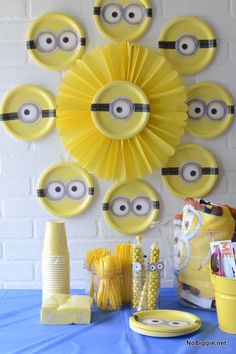 Minion Party Ideas - Crafting in the Rain 4th Birthday Parties, Birthday Party Decorations, 2nd Birthday, Diy Minion Decorations, Minion Centerpieces, Birthday Ideas, Table Decorations, Minion Theme, Despicable Me Party