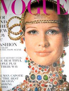 Vintage Vogue Magazine November 1, 1968 Back Issue