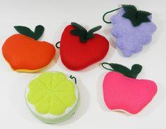 Esponjas atoalhadas de frutas