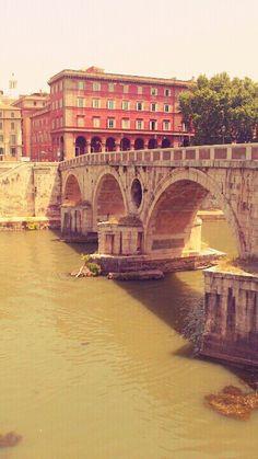 Roma. Tevere river and Sisto bridge